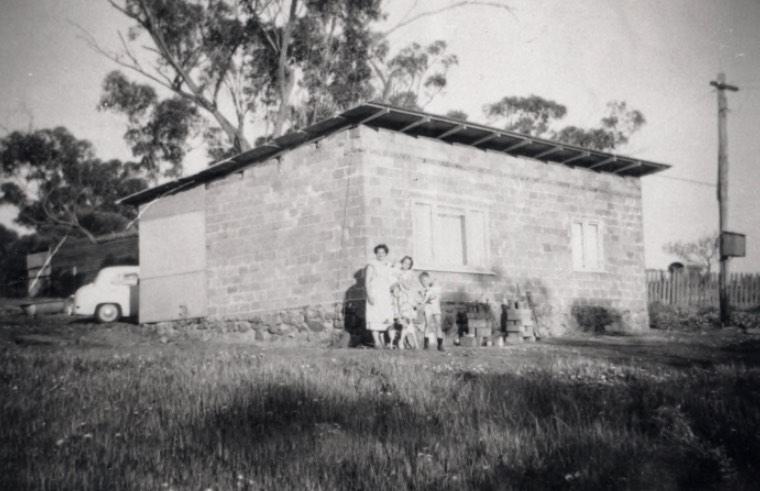 Jo, Nonja and Eddie Peters