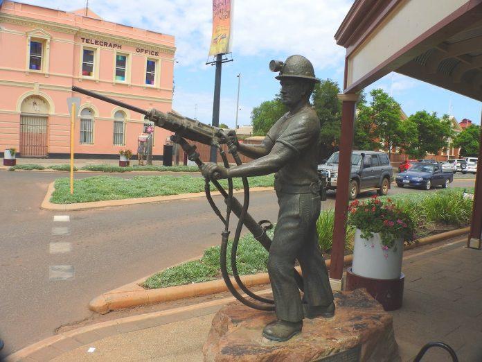 Burt Street Statue