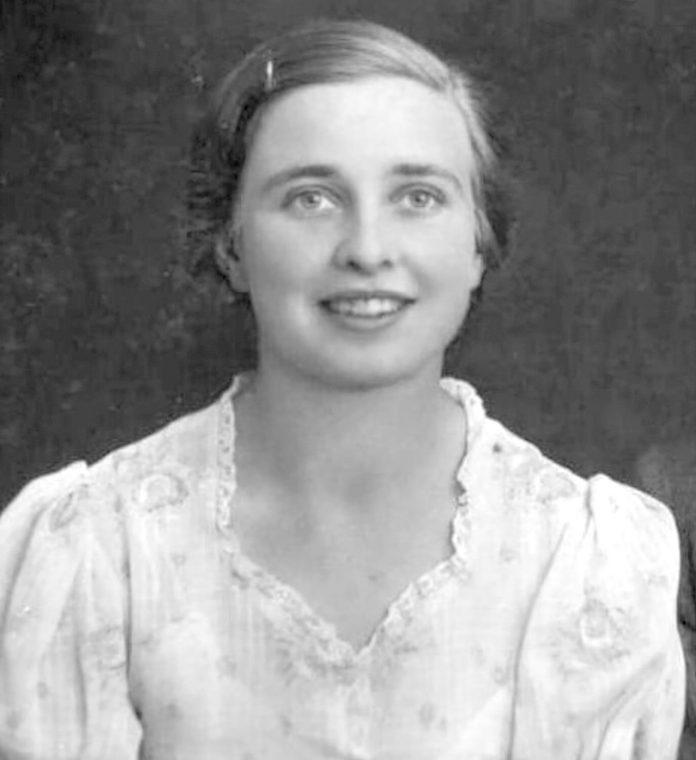 Rick Steele's mother Jeune
