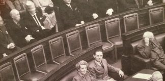 Dorothy Tagney swearing in 1943